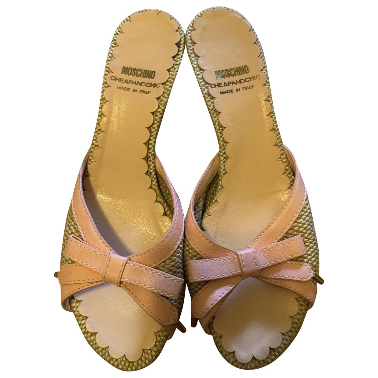 Moschino \N Sandalen in  Rosa Exotenleder