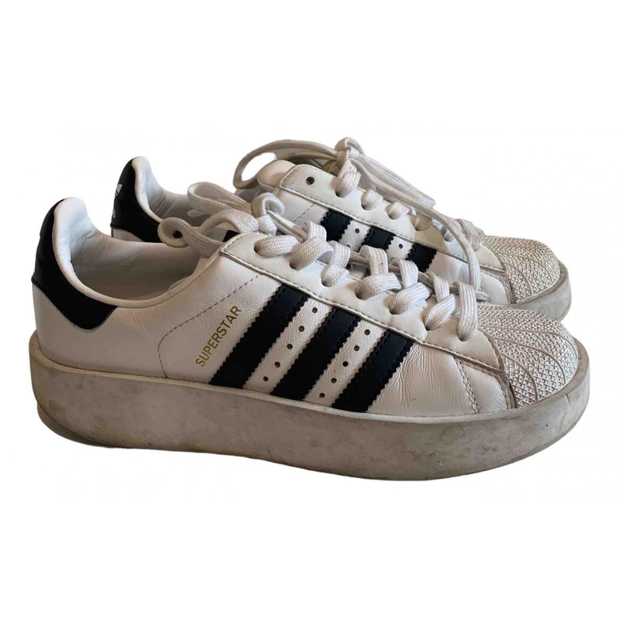 Derbis Superstar de Cuero Adidas