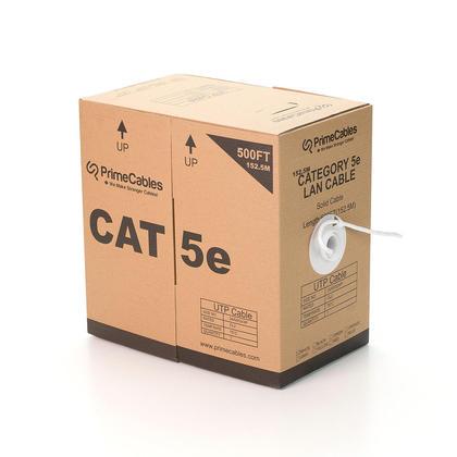 Cat5e 24AWG UTP câble en vrac solide, classé dans les murs (CL2), 500pi - PrimeCables® - blanc
