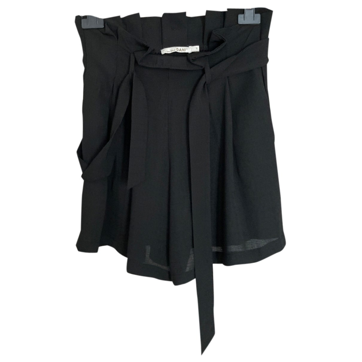 Non Signé / Unsigned N Black Shorts for Women M International