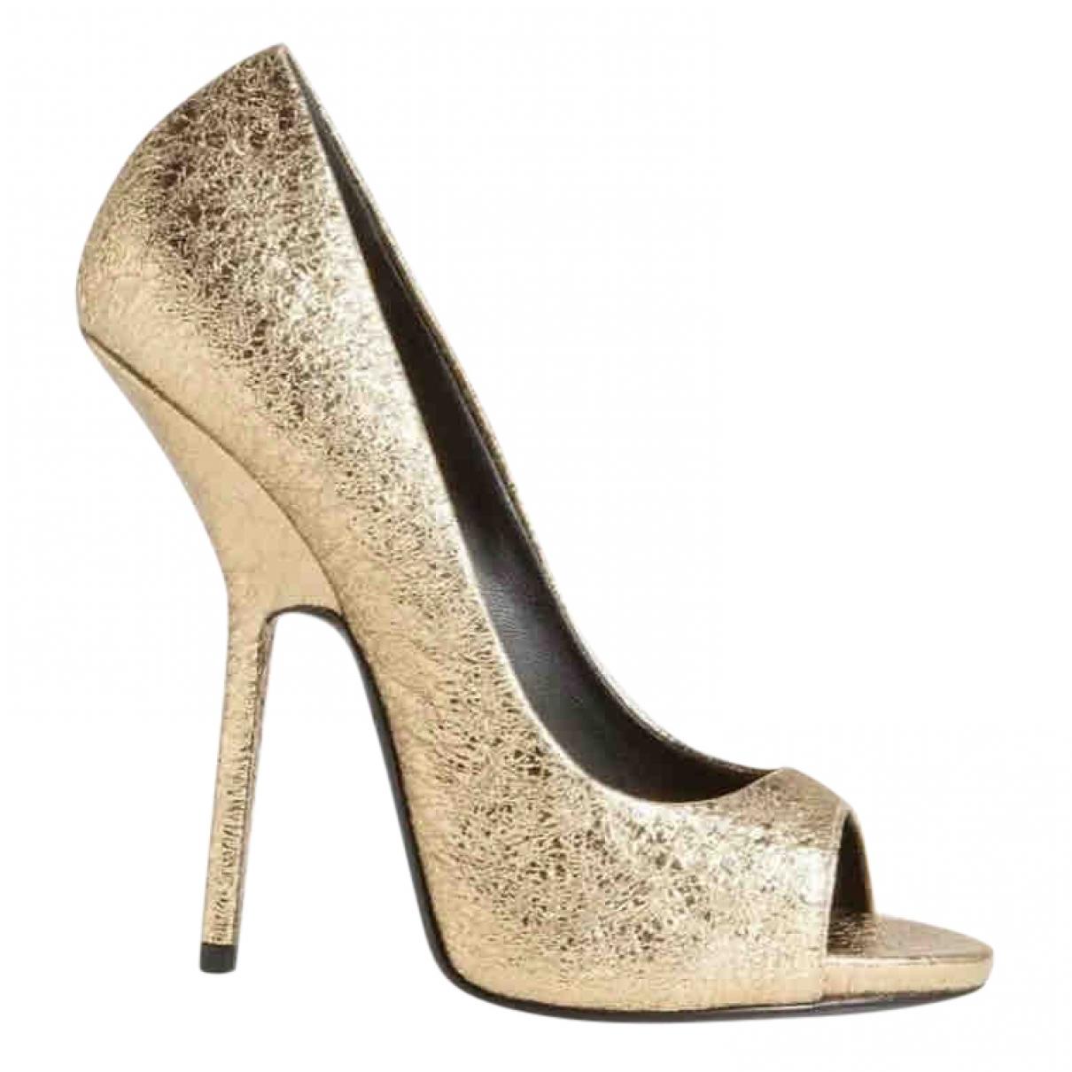 Giuseppe Zanotti \N Gold Patent leather Heels for Women 36 EU