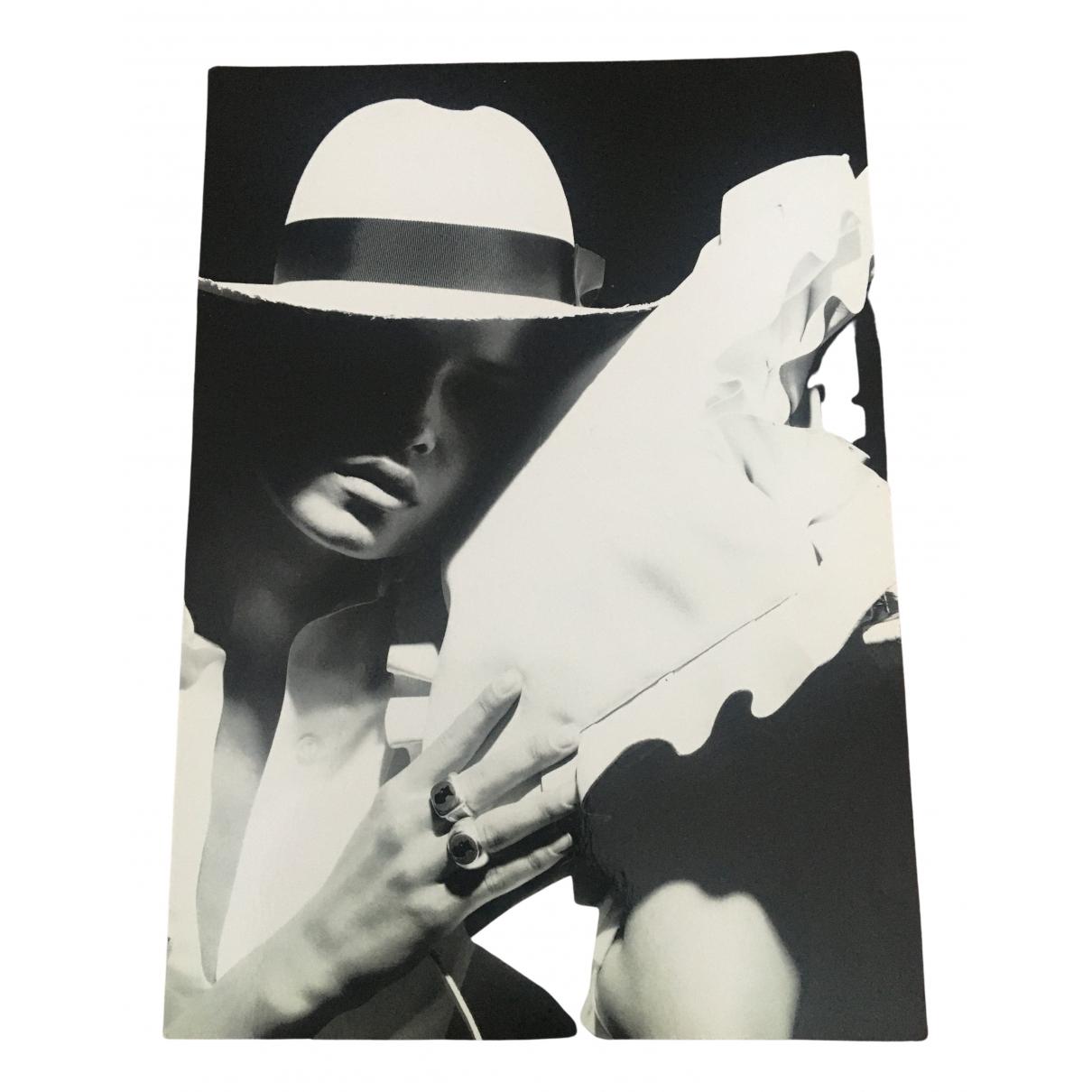 Karl Lagerfeld N Black Photography for Life & Living N