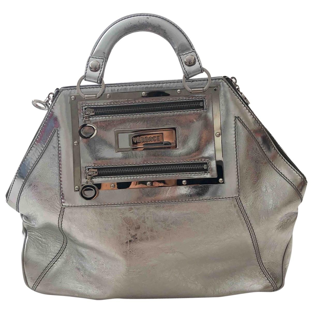 Versace \N Handtasche in  Silber Leder