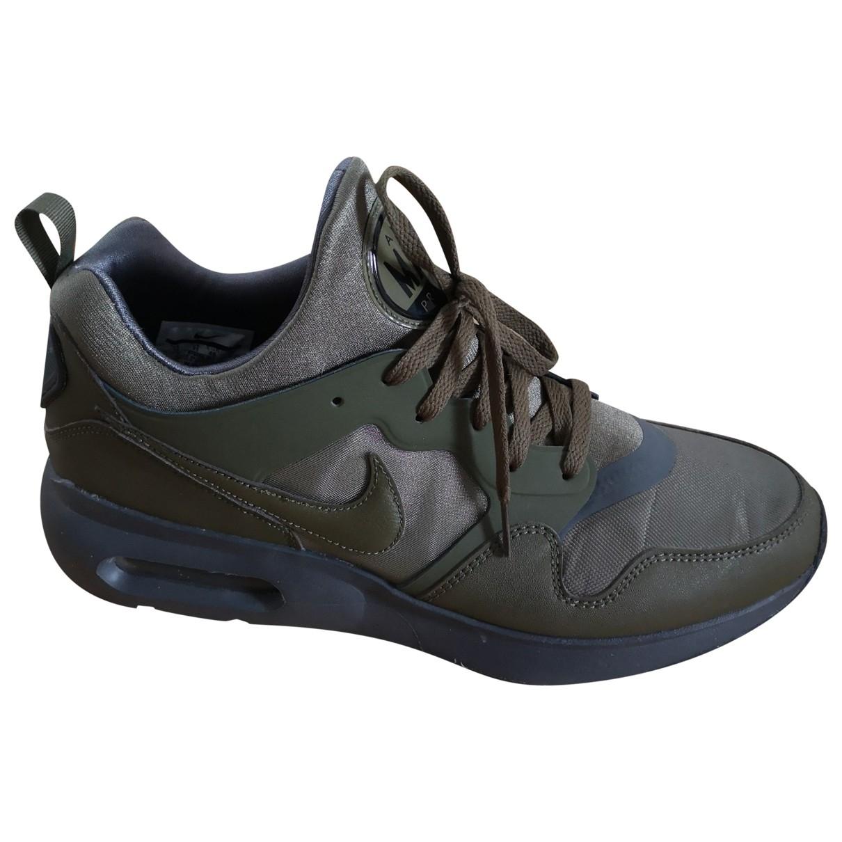 Nike Air Max  Sneakers in  Gruen Leinen
