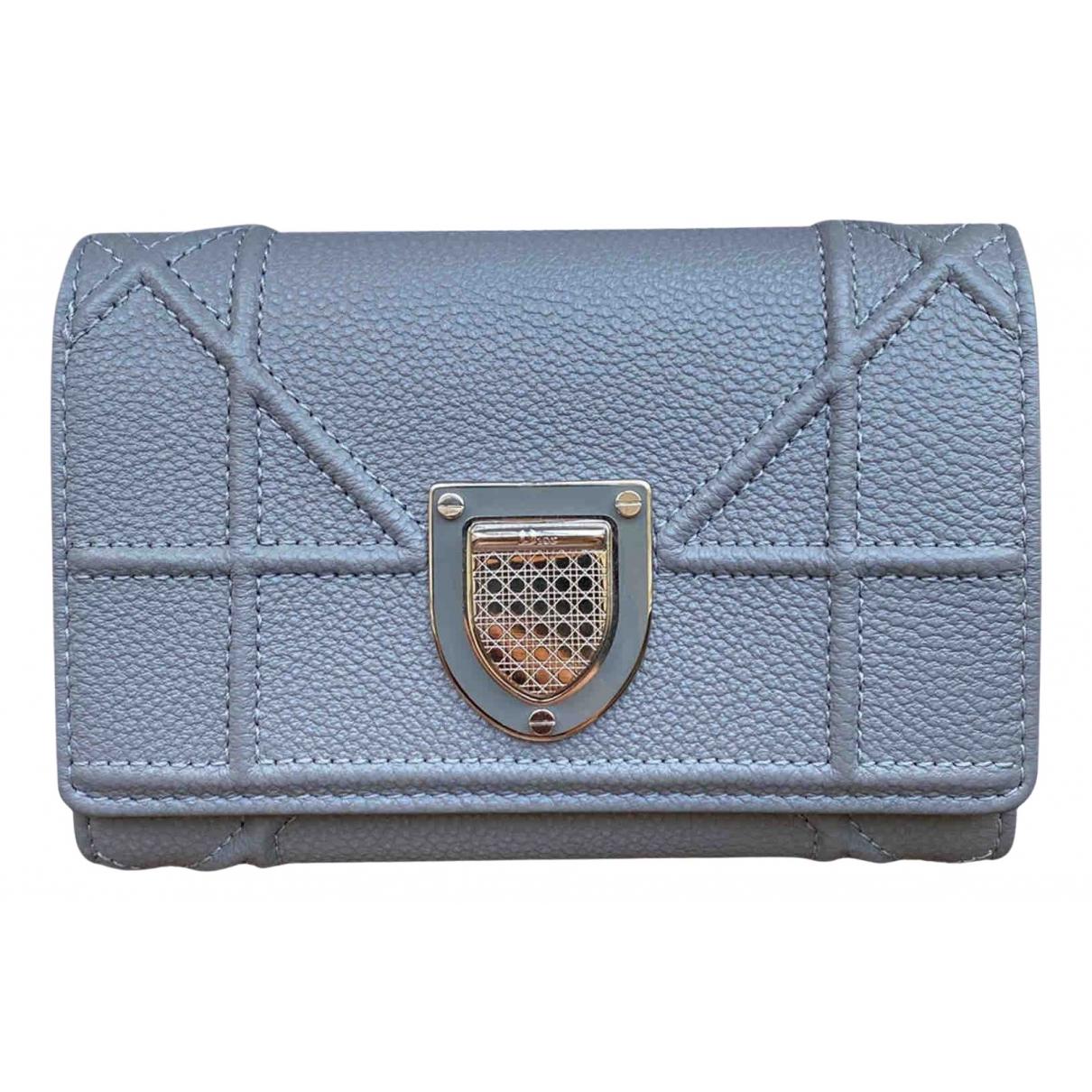 Dior - Portefeuille Diorama pour femme en cuir - gris