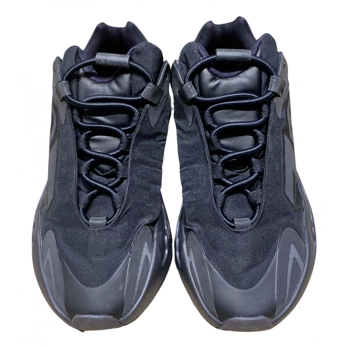 Yeezy X Adidas - Baskets 700 MNVN PHOSPHOR pour femme en toile - noir