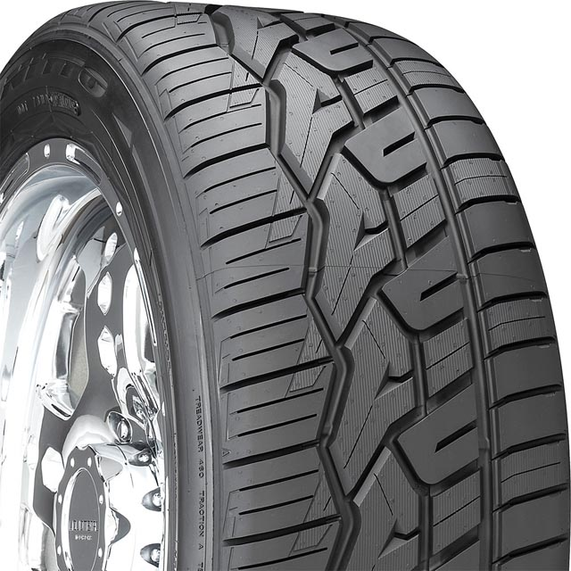 Nitto 207470 NT420V Tire 265/40 R22 106VxL BSW