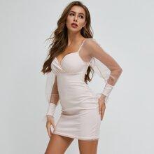 Kleid mit Herzen Kragen und Netzstoff