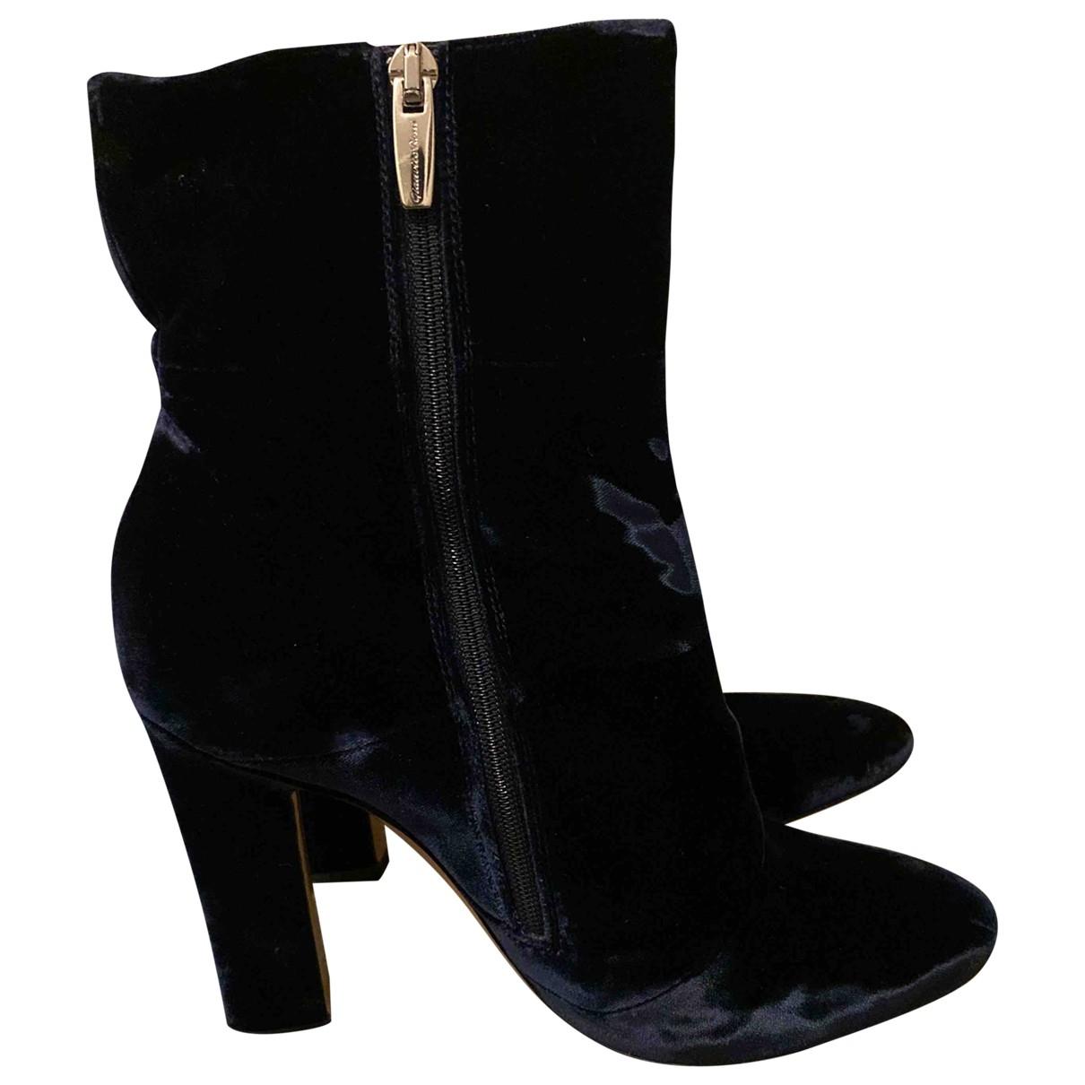 Gianvito Rossi - Boots   pour femme en velours - bleu