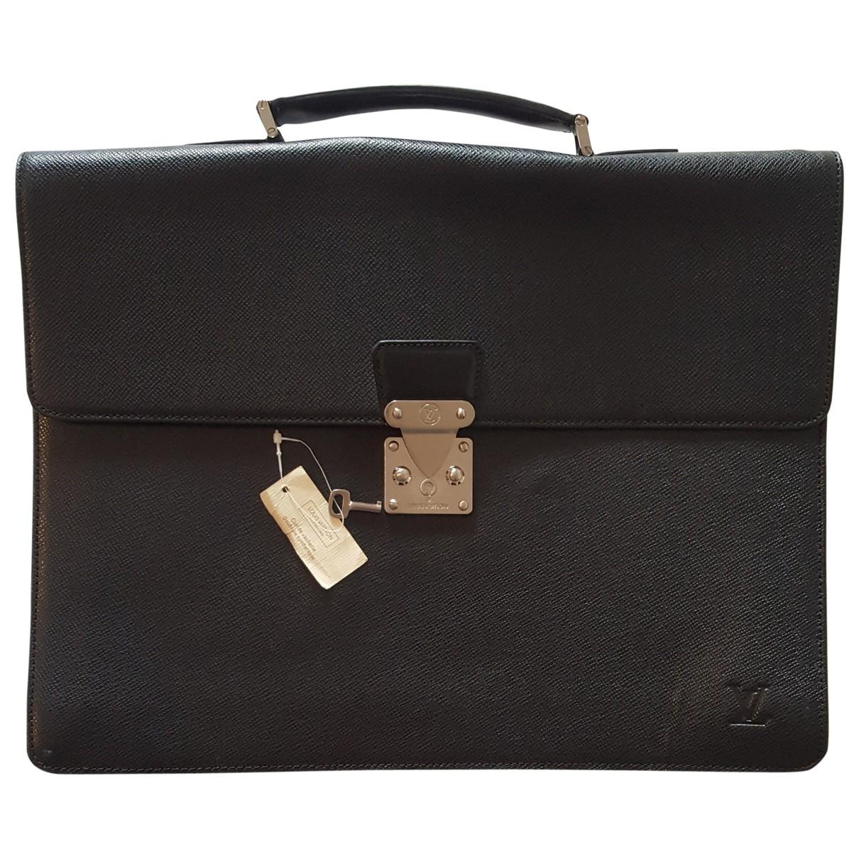 Louis Vuitton Kourad Black Leather bag for Men \N