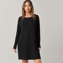 T-Shirt Kleid mit rundem Kragen und Fledermausaermeln