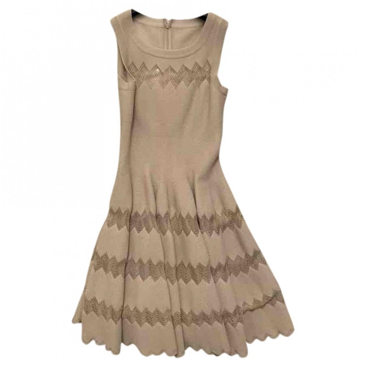 Alaia \N Kleid in  Beige Baumwolle - Elasthan