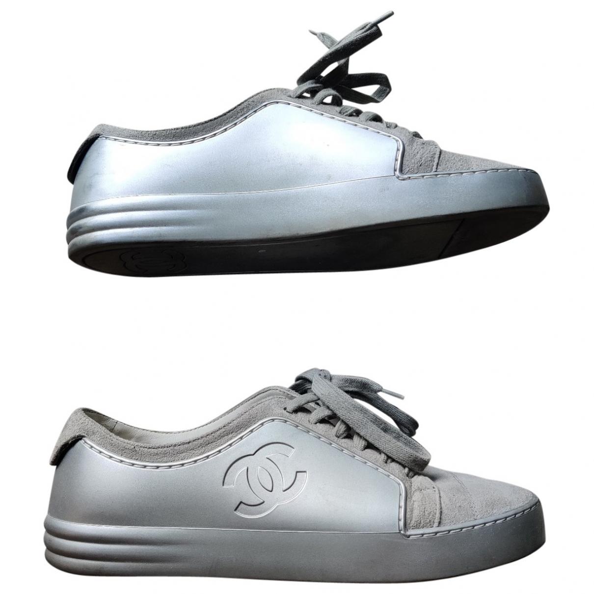 Chanel \N Sneakers in  Grau Leder