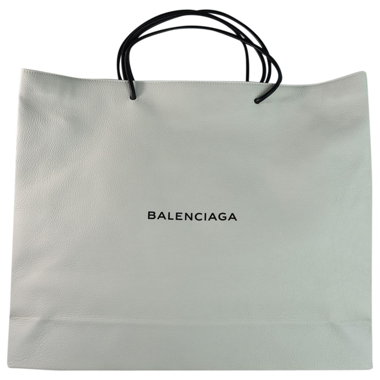 Balenciaga Shopping North South Handtasche in  Weiss Leder