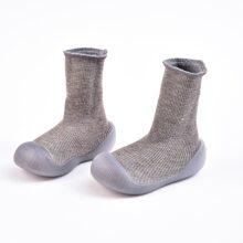 Zapatillas deportivas de bebe calcetines