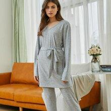 Schlafanzug Set mit V Kragen und Guertel