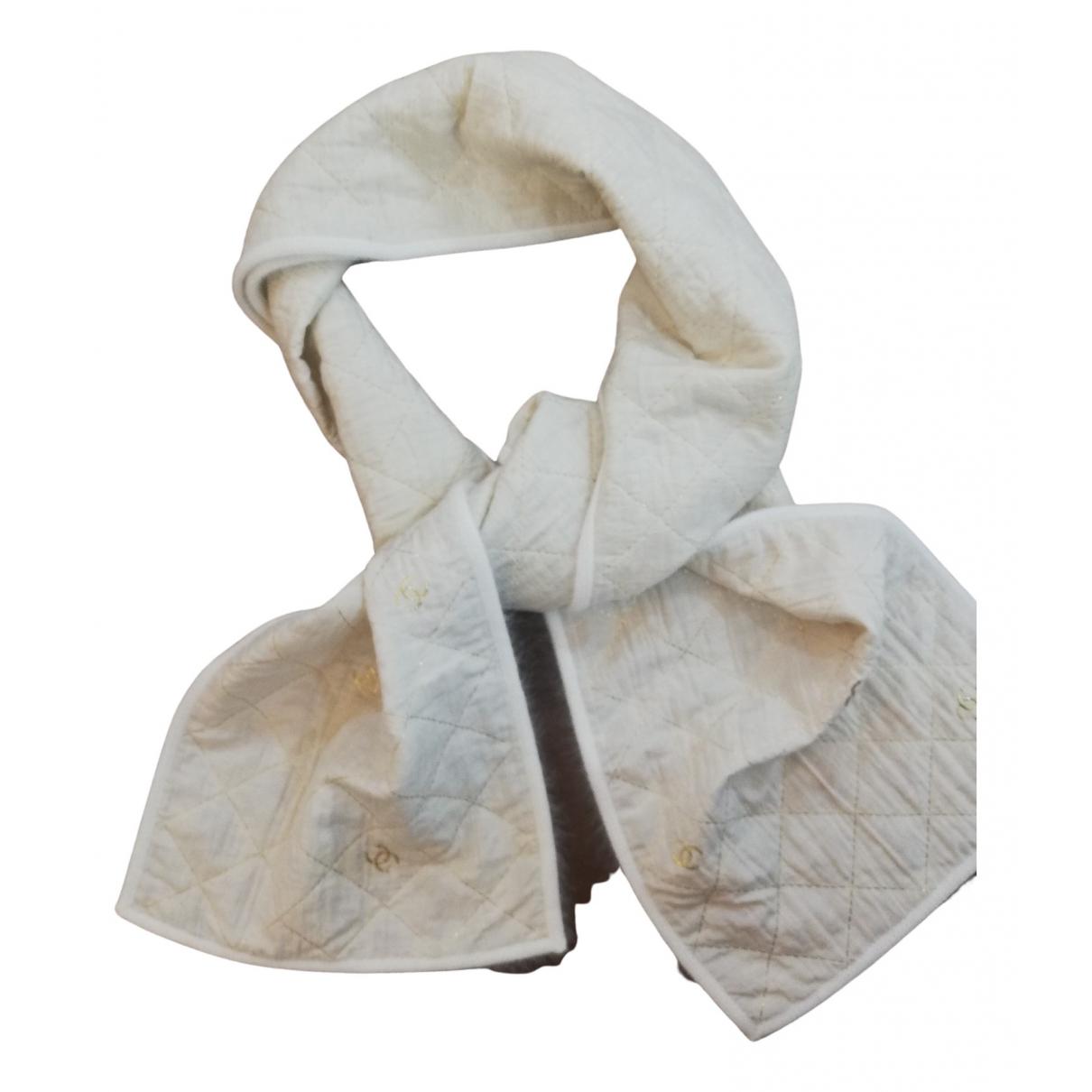 Chanel \N Schal in  Ecru Wolle