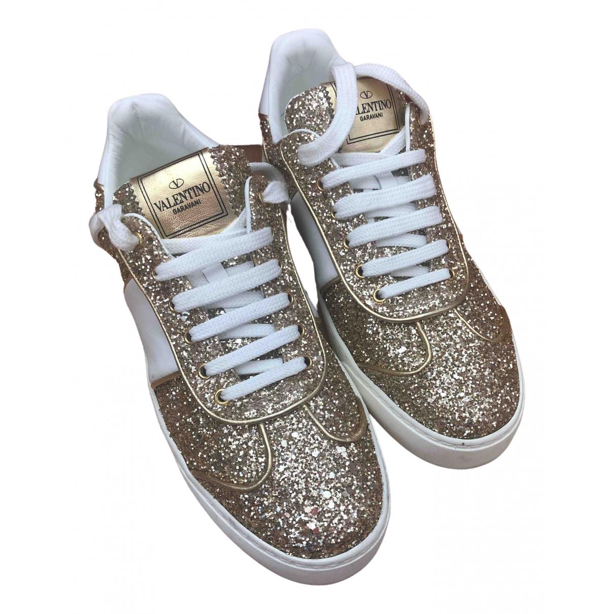 Valentino Garavani Open Sneakers in  Gold Mit Pailletten