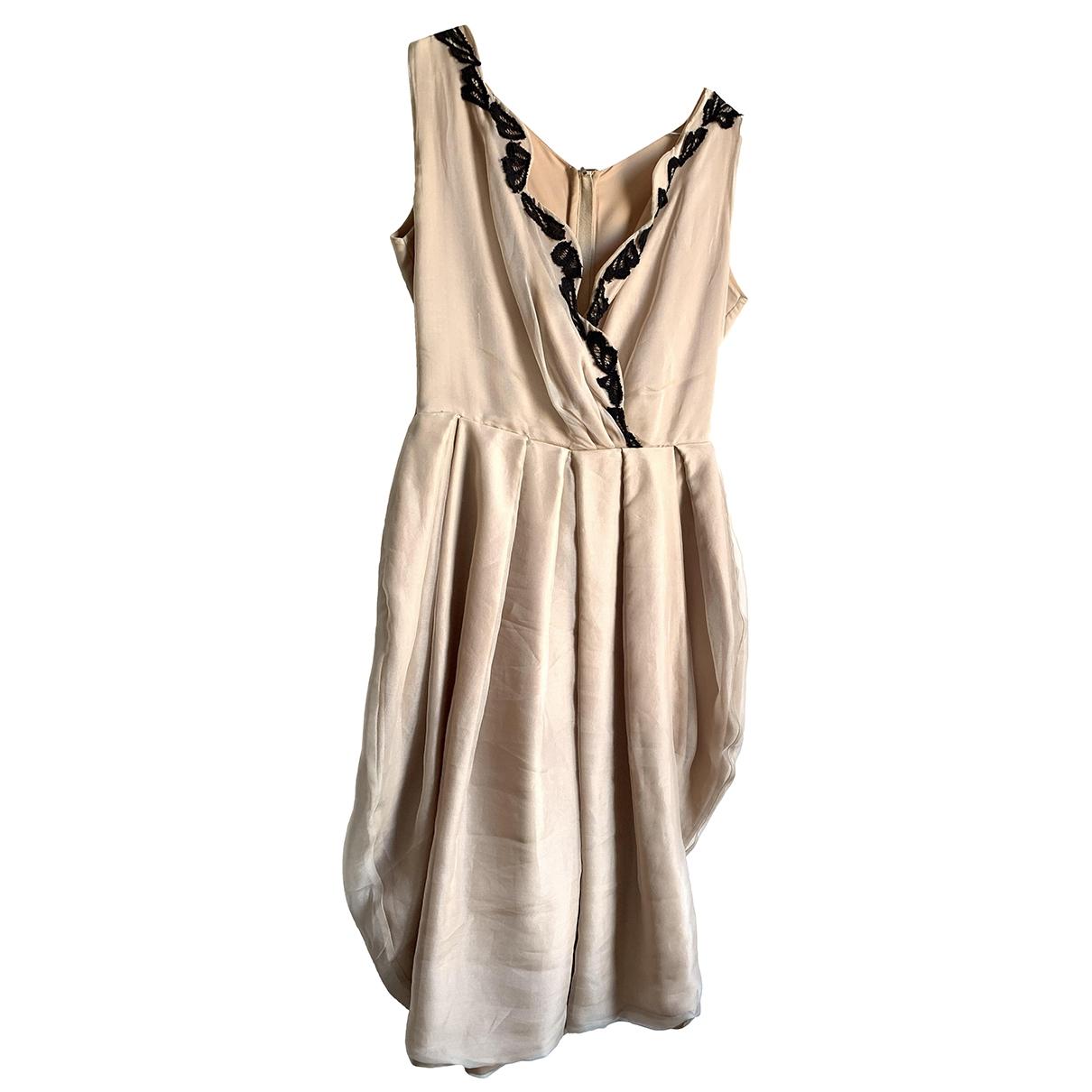 Non Signe / Unsigned \N Kleid in  Beige Seide