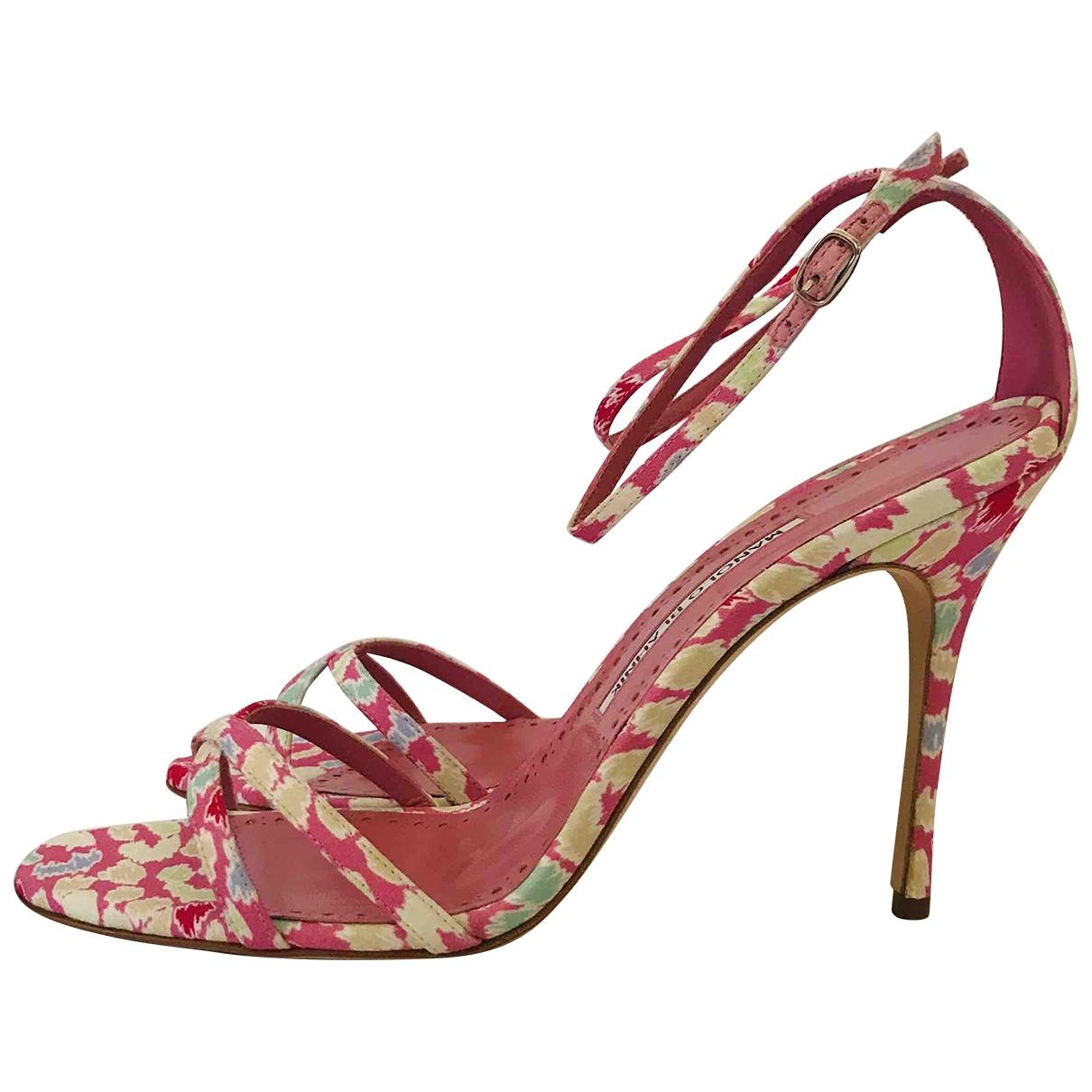 Manolo Blahnik - Sandales   pour femme en toile - rose