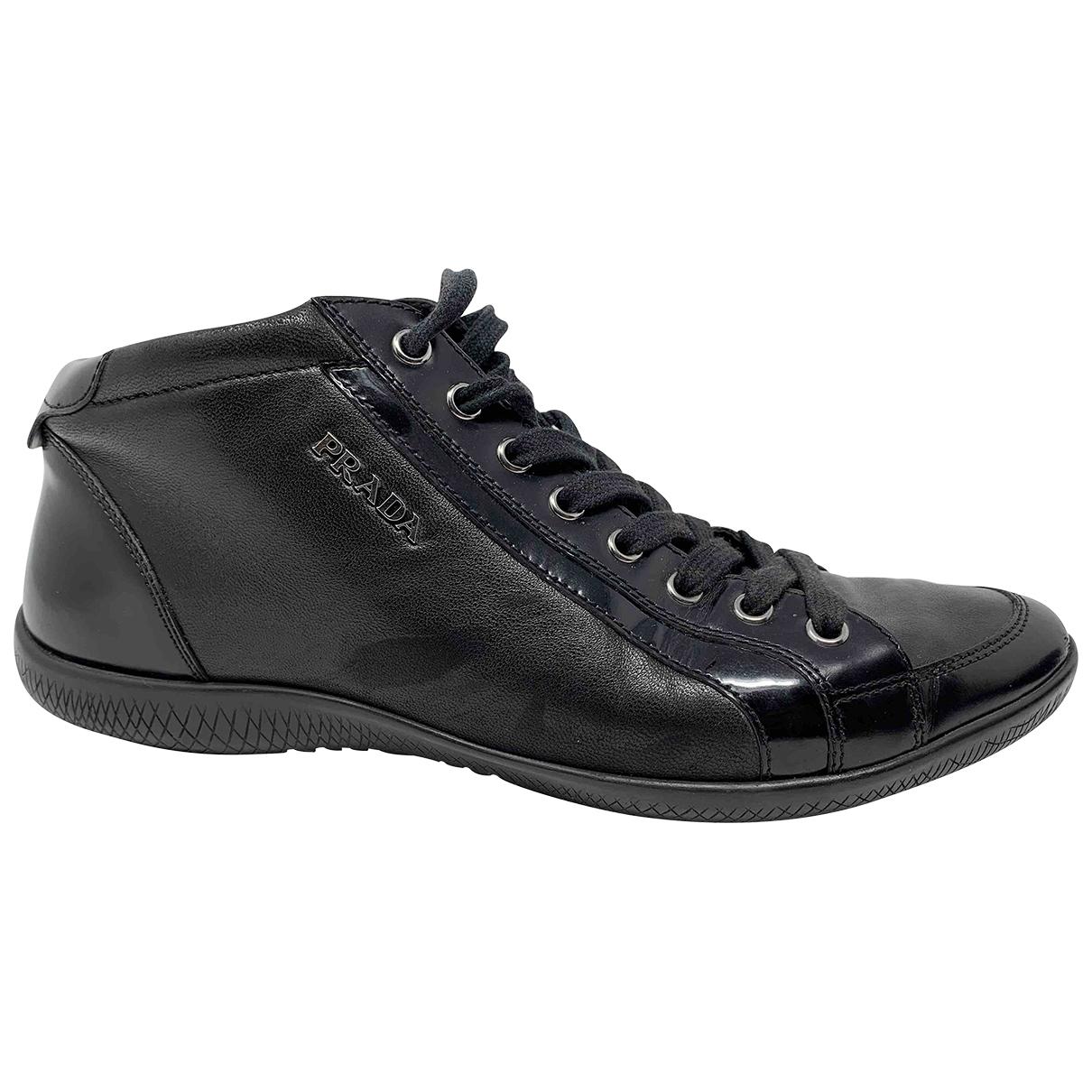 Prada \N Sneakers in  Schwarz Leder