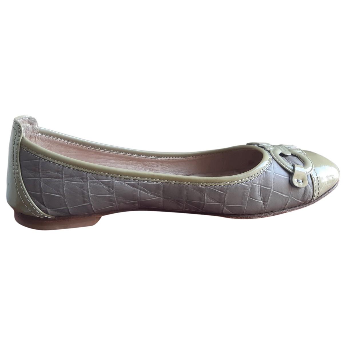 Salvatore Ferragamo \N Grey Leather Ballet flats for Women 37.5 EU