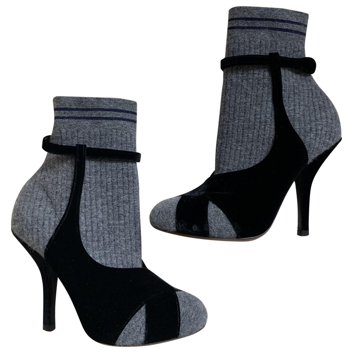 Fendi - Boots   pour femme en velours - gris