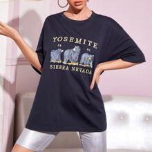T-Shirt mit Baeren und Buchstaben Grafik