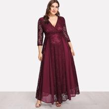 Kleid mit hoher Taille, Spitzen und Wickel Design