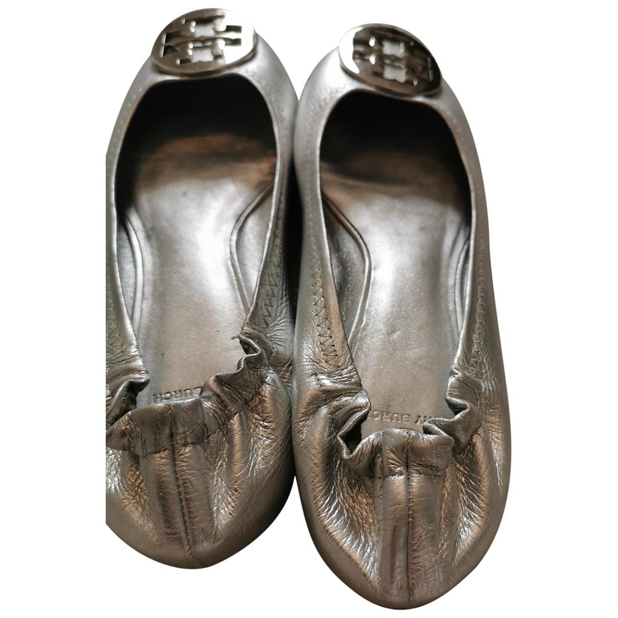 Tory Burch \N Ballerinas in  Silber Leder