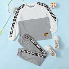 Pullover mit Streifen, Buchstaben Muster, seitlichem Band und Jogginghose Set