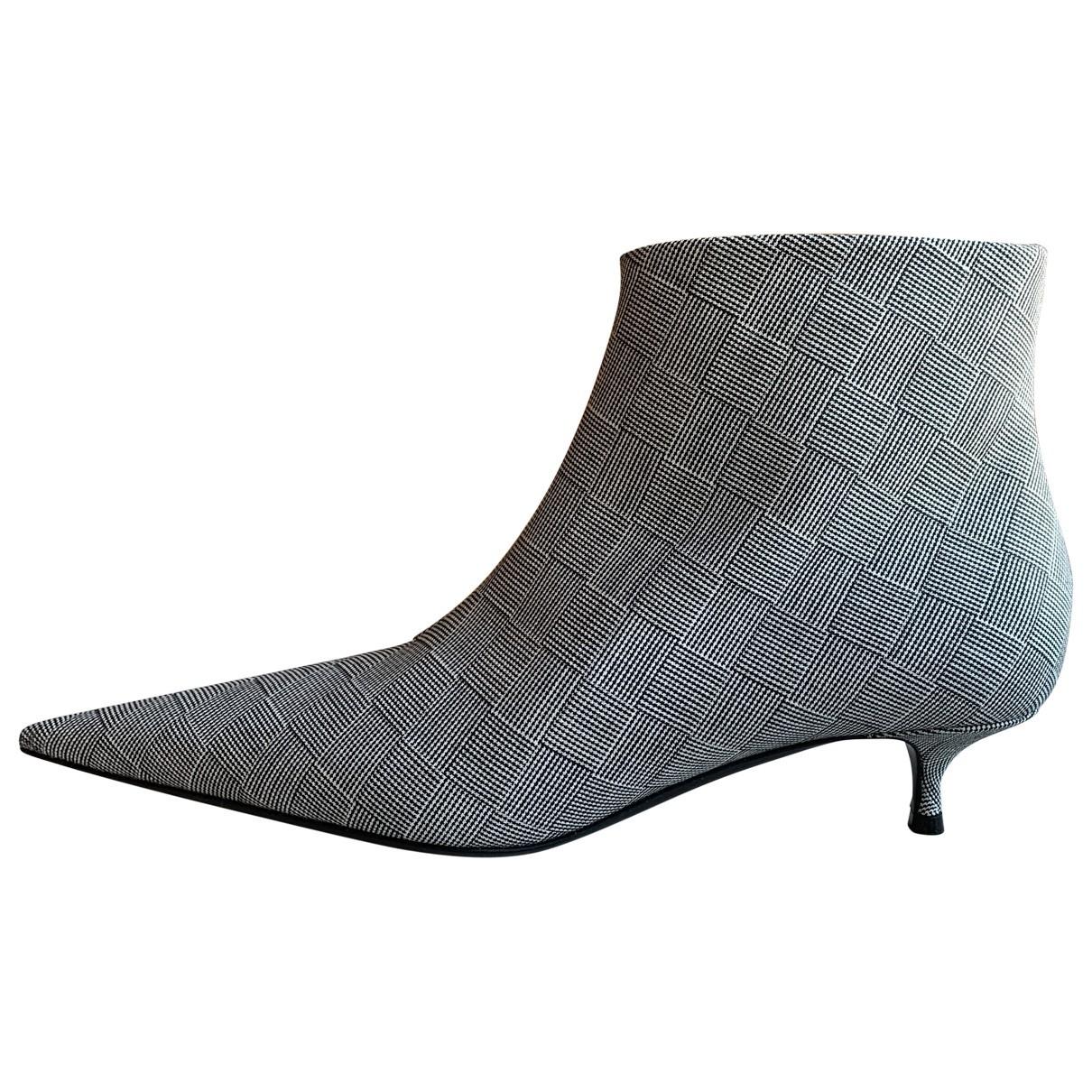 Balenciaga - Boots Knife pour femme en toile - gris