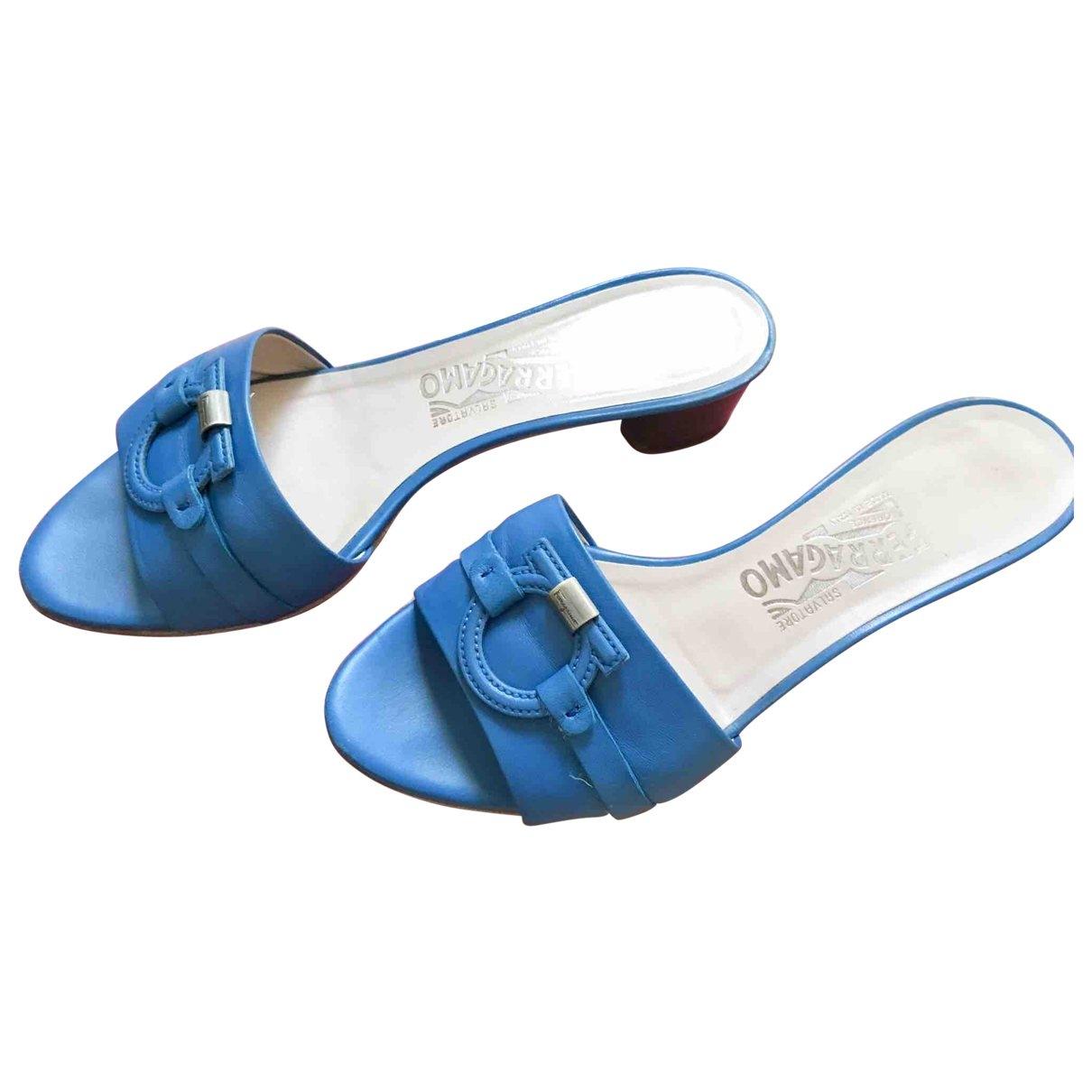 Salvatore Ferragamo - Sandales   pour femme en cuir - bleu