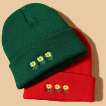 2pcs Flower Embroidered Beanie