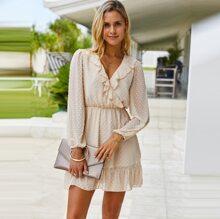 Kleid mit Punkten Muster und Rueschen