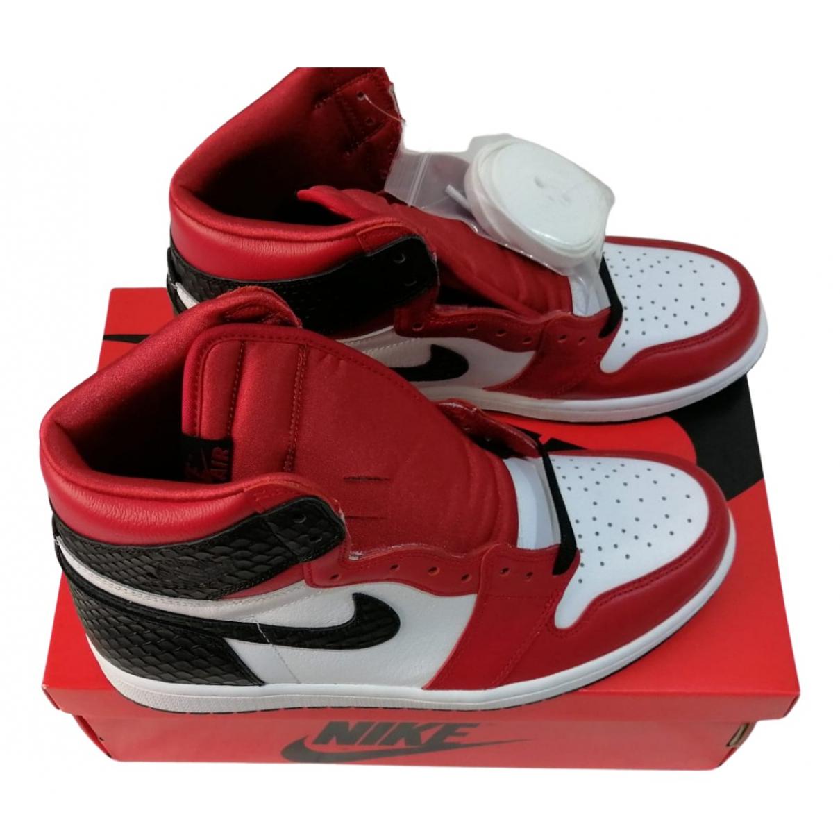 Jordan Air Jordan 1  Sneakers in  Rot Leder