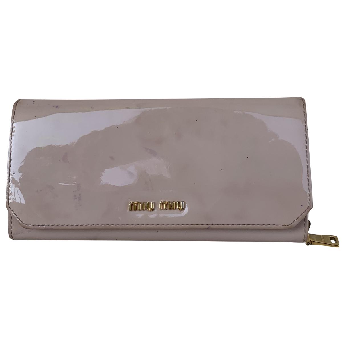 Miu Miu \N Portemonnaie in  Rosa Lackleder