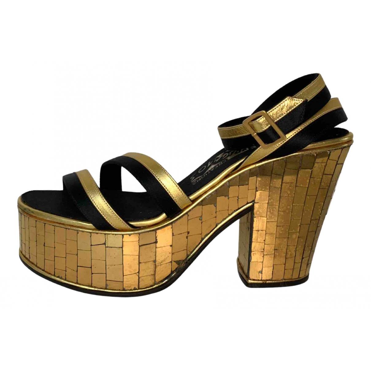 Salvatore Ferragamo \N Gold Leather Sandals for Women 7 US
