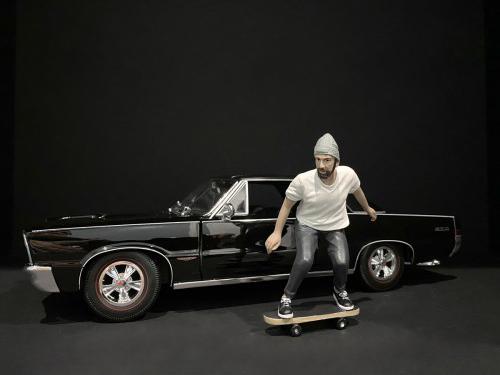Skateboarder Figurine II for 1/24 Scale Models by American Diorama