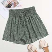 Shorts mit Dalmatiner Muster, Ruesche und Band vorn