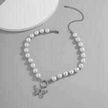 Halsband mit Schmetterling Dekor und Kunstperlen