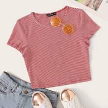 Crop T-Shirt mit Nadelstreifen und kurzen Ärmeln