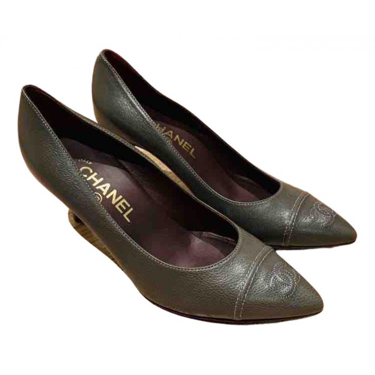 Chanel - Escarpins   pour femme en cuir - gris