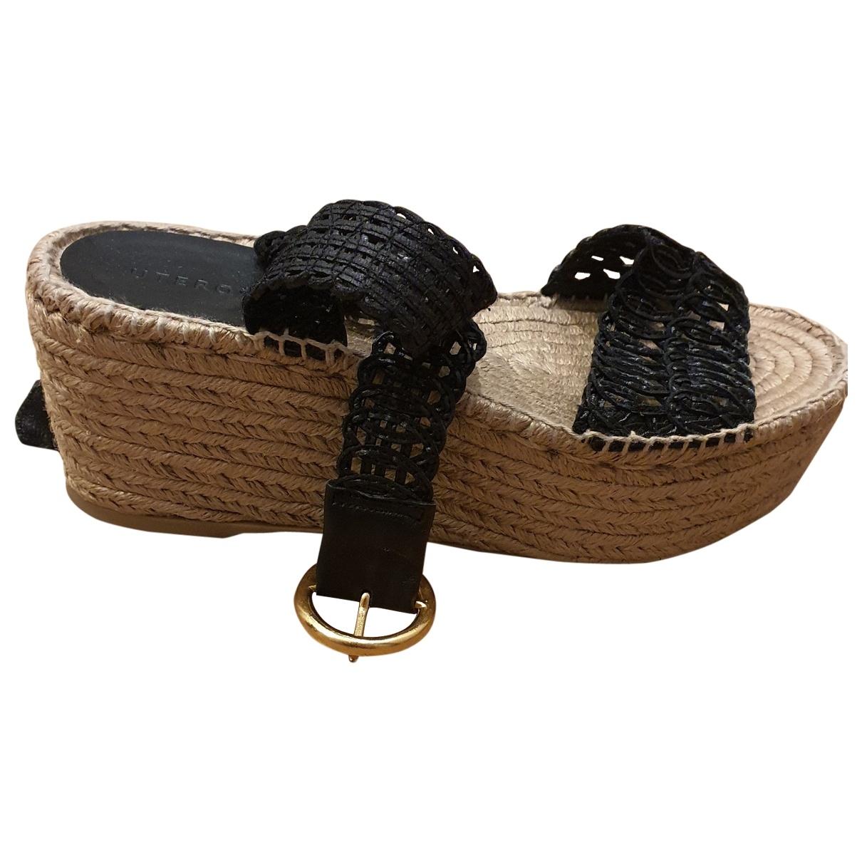 Uterque - Sandales   pour femme en cuir - noir