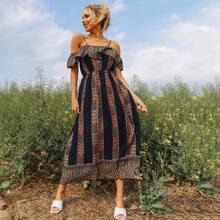 Schulterfreies Kleid mit Schosschen und Stamm Muster