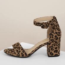 Sandalias con tacon block con estampado de leopardo de ante sintetico