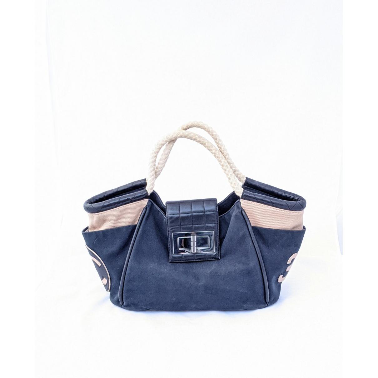 Chanel \N Handtasche in  Blau Leinen
