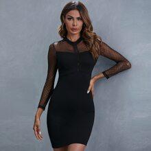 Figurbetontes Kleid mit Ose, Spitzen Einsatz und Netzstoff