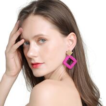 Ohrringe mit Perlen und Rhombus Dekor