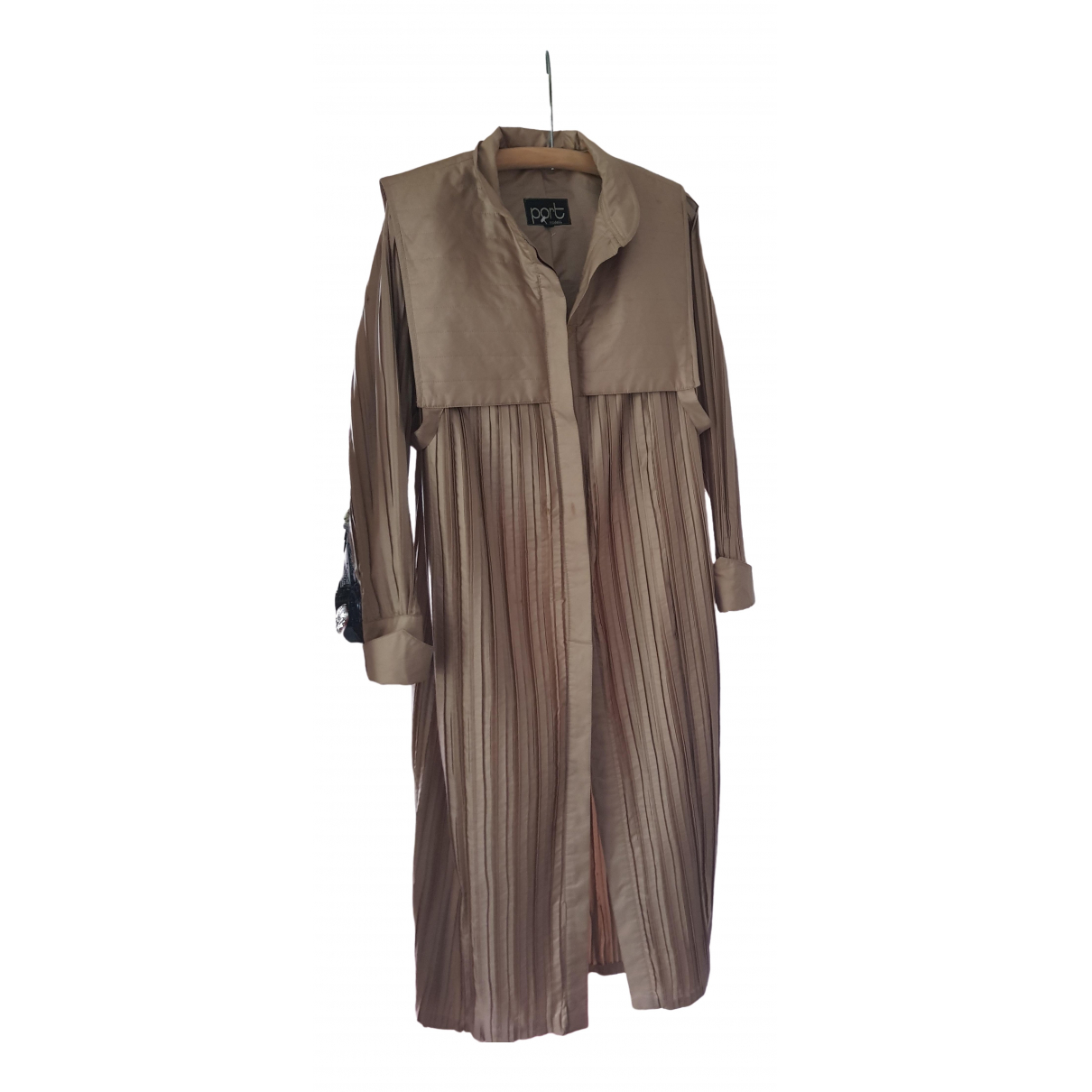 Non Signé / Unsigned \N Camel Silk coat for Women 10 UK